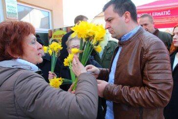 U Bjelovaru obilježen Nacionalni dan borbe protiv raka dojke humantarnom akcijom DAN NARCISA