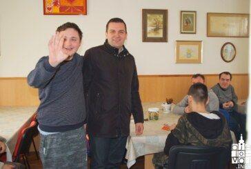 Povodom uskrsnih blagdana gradonačelnik posjetio korisnike Pučke kuhinje i Udruge OSIT