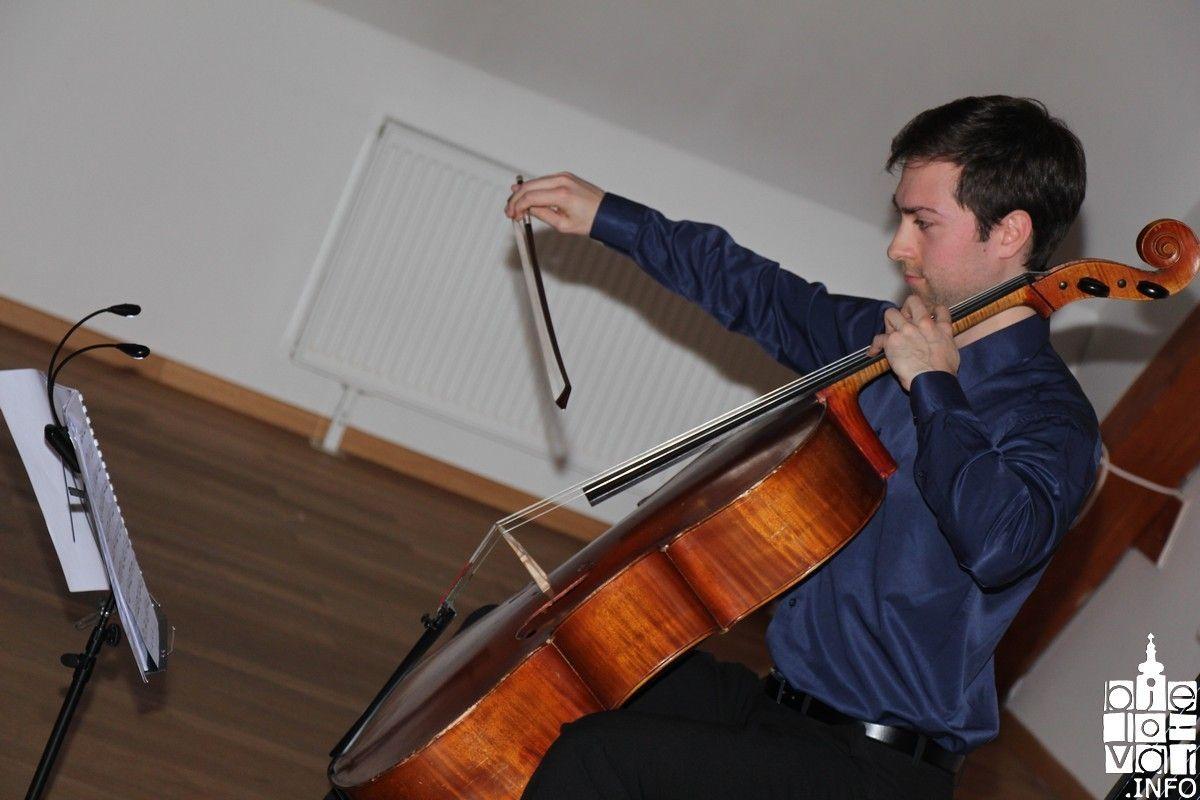 Violončelista Emanuel Pavon oduševio publiku u Bjelovaru