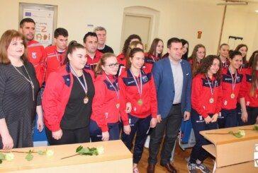Gradonačelnik Hrebak organizirao prijem za zlatne rukometašice i poslao poruku za budućnost bjelovarskog rukometa
