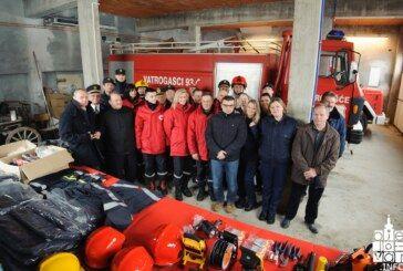 IZ FRANCUSKE STIGLA vrijedna donacija vatrogasne opreme za DVD Rovišće