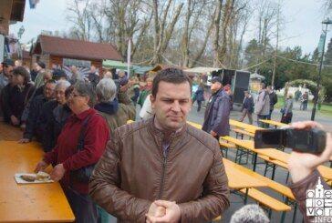 Veliki petak na bjelovarskom Korzu: Podijeljeno 800 porcija prženih ribica i nekoliko stotina porcija fiša
