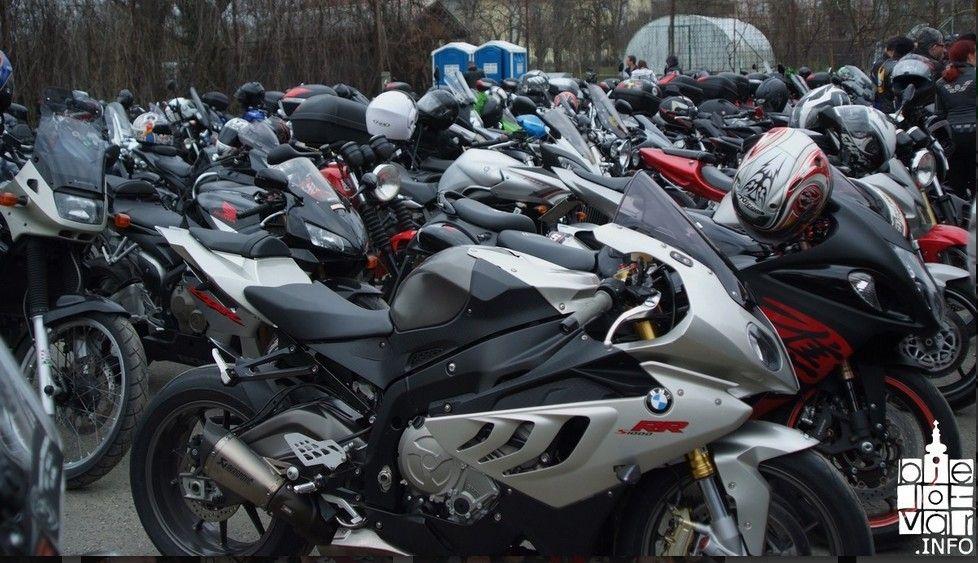 Kreće sezona pojačanog sudjelovanja u prometu na cestama motociklista, mopedista i biciklista