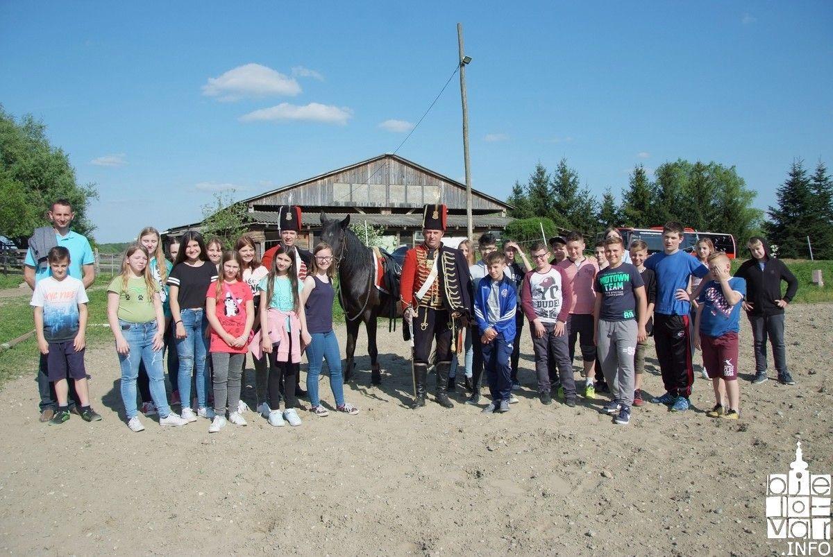 U sklopu terenske nastave djeca OŠ Ferdinandovac posjetila Konjički klub ''Bjelovar''