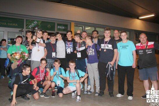 Zlato za zlatnu bjelovarsku rukometnu mladež na državnom prvenstvu u rukometu u Poreču