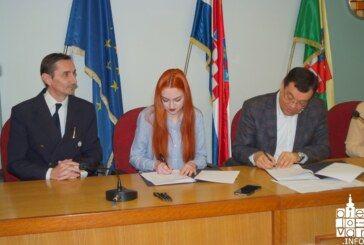 Župan Damir Bajs potpisao ugovore s novim stipendistima Bjelovarsko-bilogorske županije
