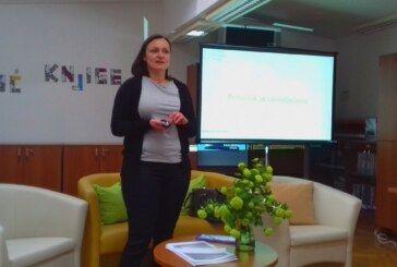 Predstavljen priručnik za samoliječenje u Medicinskoj školi Bjelovar