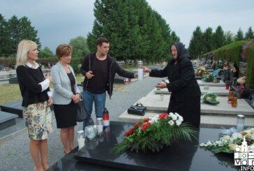 Predstavnici Bjelovarsko-bilogorske županije odali počast prvom županu Tihomiru Trnskom