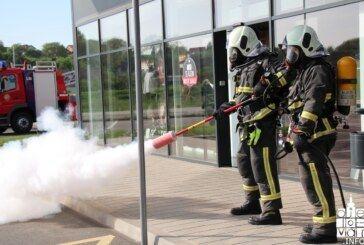 """Održana vježba evakuacije i spašavanja zgrade Trgovačkog centra """"STOP&SHOP"""" u Bjelovaru"""