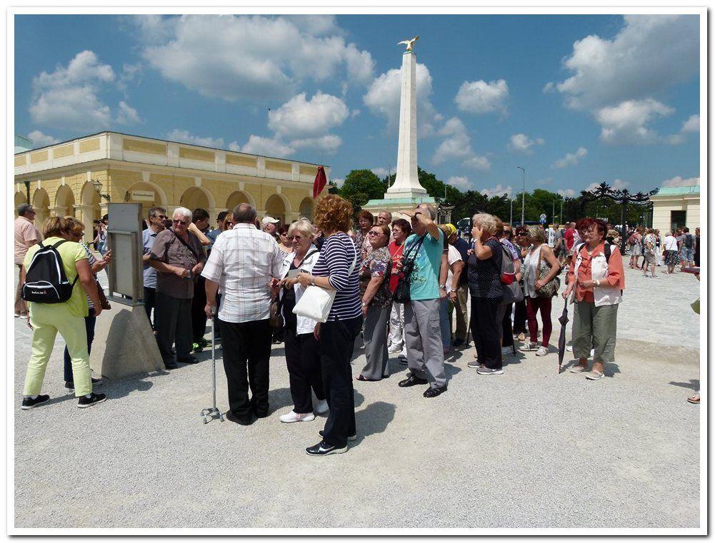Udruga tjelesnih invalida Bjelovar za članove udruge organizirala jednodnevni izlet u Beč