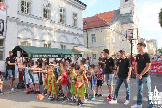 """U Bjelovaru još jedan poseban sportski događaj, mladi košarkaški klub """"Vedi"""" s prvacima Cedevite u zajedničkoj akciji"""