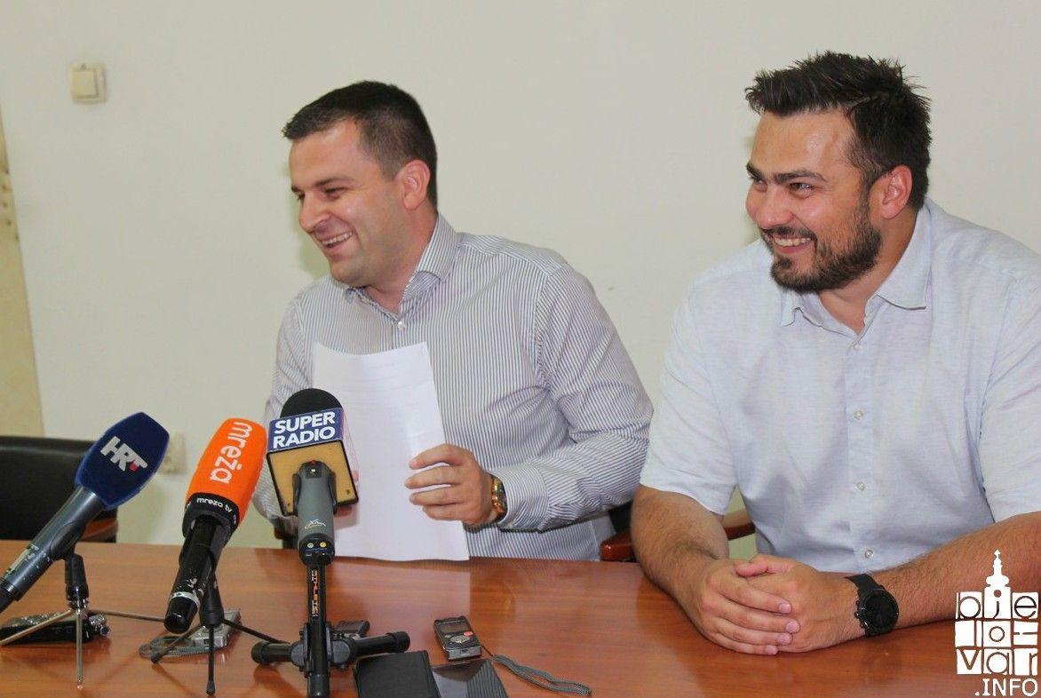 Gradska vodeća garnitura: Gradonačelnik Hrebak s koalicijskim partnerima u godinu dana ispunili 80 posto obećanog i najavili građanima nova obećanja za naredne tri godine