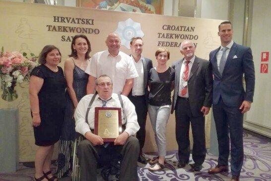 """ZLATNU SPOMEN PLAKETU dobio Taekwondo klub """"Bjelovar"""" povodom obilježavanja 50 godina Taekowondoa u Hrvatskoj"""