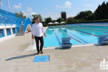 Velika posjećenost novoobnovljenog bjelovarskog Gradskog bazena usprkos lošem vremenu