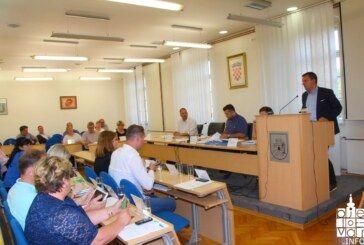 """Što učiniti i što napraviti pitali su se gradski vijećnici pred kojima se ponovno našao """"slučaj"""" I. osnovna škola Bjelovar"""