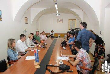Grad Bjelovar: Projekt Djetinjstvo bez gladi priveden je kraju, očekuje se raspisivanje natječaja za školsku godinu 2018./2019.