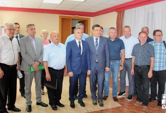 Ministar Marić ponovno u Bjelovarsko-bilogorskoj županiji: potpisan još jedan ugovor i održan radni sastanak sa županom Bajsom, gradonačelnicima i načelnicima