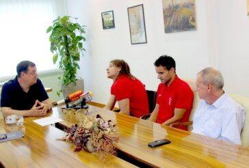 Hrvatskog paraolimpijca Denija Černija osvajača srebrne medalje primio župan Damir Bajs