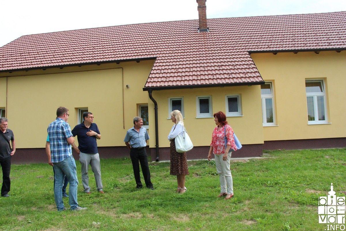 Područna škola u Međurači obnovljena od temelja do krova, najavljena obnova škole u Severinu i Dautanu