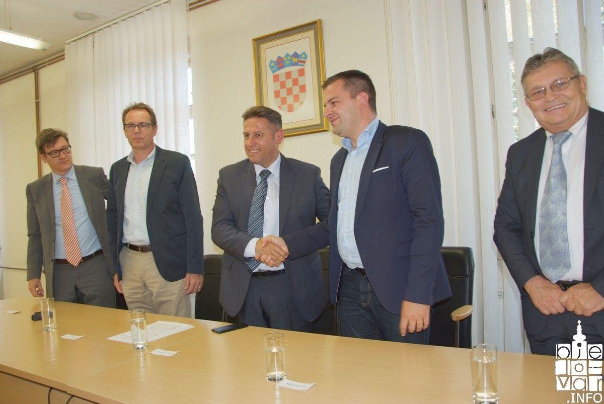 Potpisan ugovor o izvođenju radova na dionici Gudovac- Farkaševac, ali bez kružnih tokova
