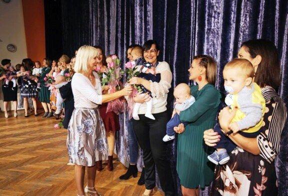 Ljepota majčinstva: jedinstvena modna revija održana i ove godine u Bjelovaru