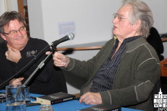 """Velika knjiga Igora Mandića """"Predsmrtni dnevnik"""" privukla brojnu bjelovarsku publiku"""