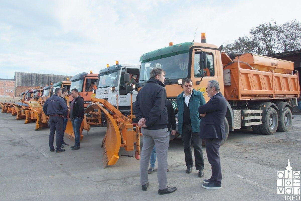 Zimska služba s 26 kamiona s ralicama i posipačima spremna za nadolazeće zimsko razdoblje