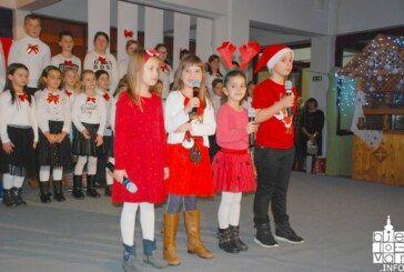Četvrta osnovna škola Bjelovar organizirala tradicionalnu priredbu povodom nadolazećih blagdana