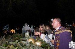 Druga adventska svijeća zasjala na Adventskom trgu u Bjelovaru