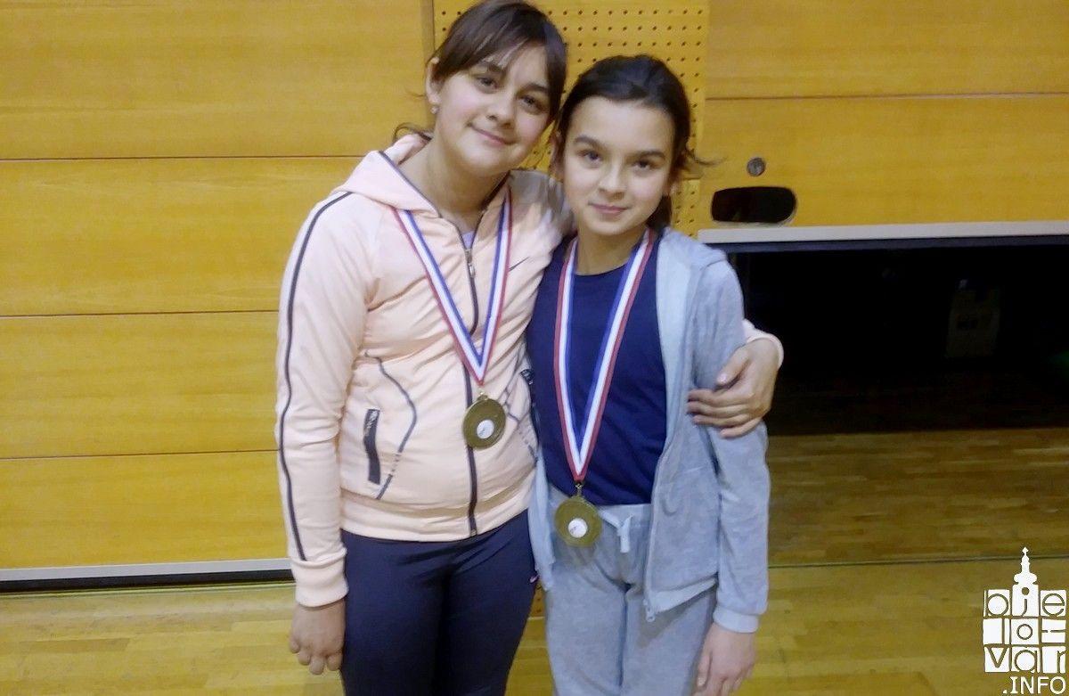 Na prvenstvu Hrvatske za poletarce i juniore u badmintonu: Tesaa i Anja osvojile brončanu medalju u parovima