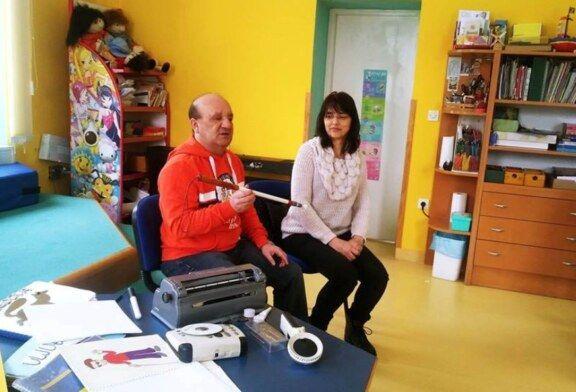 U bjelovarskoj Knjižnici učenici su više saznali o brajici povodom Svjetskog dana Braillevog pisma