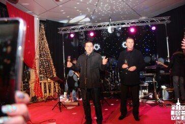 Bjelovarčani u Novu 2019. veselo uz glazbu i vatromet