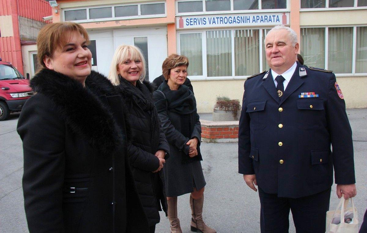 Prvi dan nakon dočeka Nove 2019. predstavnici Županije i Grada posjetili i naše vatrogasce gdje nije bilo nikakve intervencije