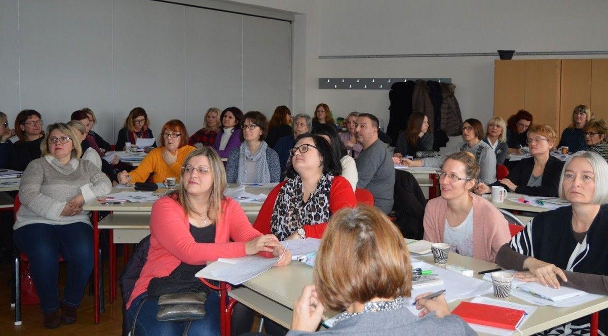 Nastavnici rade punom parom i za vrijeme praznika: Održan skup pod nazivom Projekt građanin