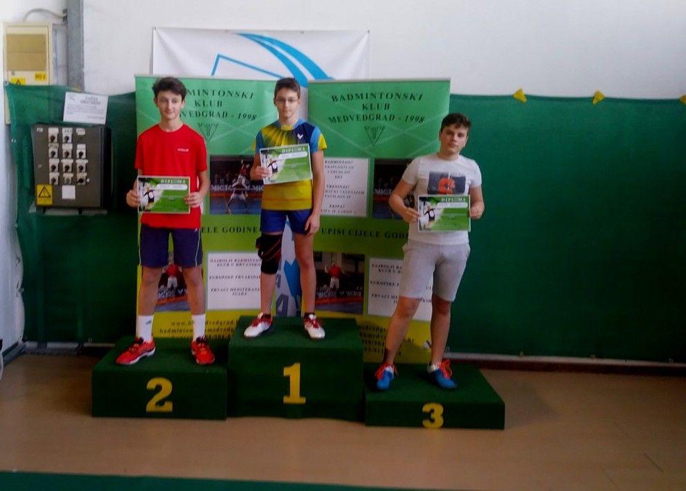 2019_badminton_1