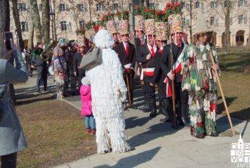 Počinje karnevalsko ludilo: Ključ Grada Bjelovara predan rasplesanim Češkim koledarima