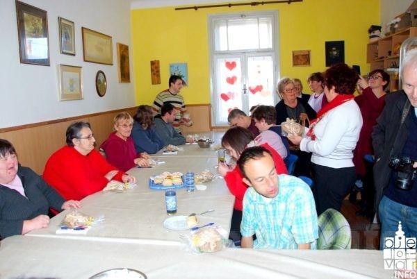 Druženje s korisnicima Udruge OSIT povodom Valentinova