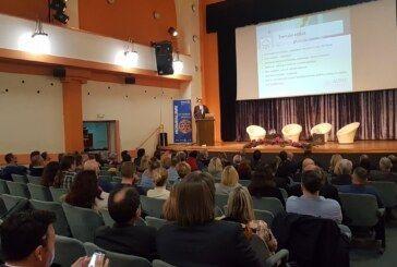 """Na Rotary Forumu """"Kotač izvrsnosti"""" u Bjelovaru najavljena ljetna škola informatike i robotike za učenike osnovnih škola"""