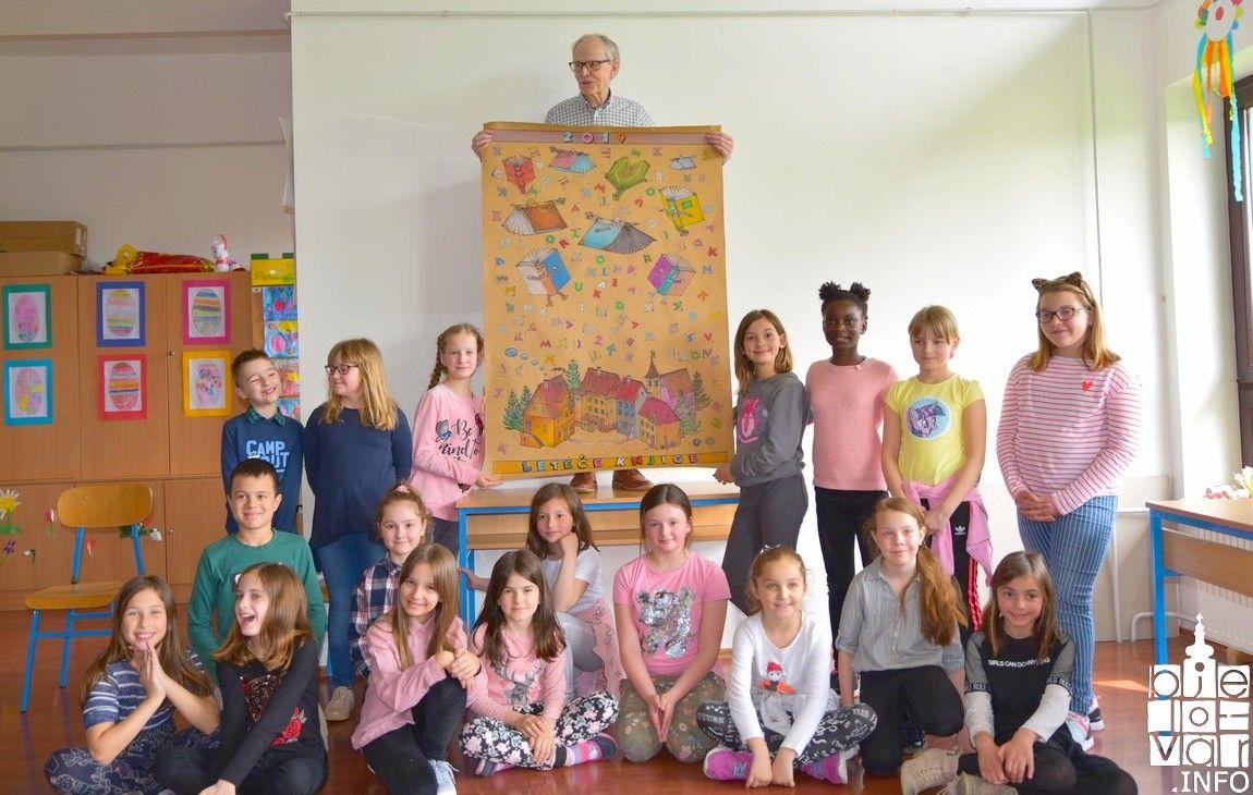 Svjetski poznati litvanski pisac za djecu Kęstutis Kasparavičius družio se s učenicima IV. osnovne škole Bjelovar