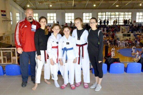 """Natjecateljice taekwondo kluba Bjelovar nastupile na Memorijalnom taekwondo turniru """"Josip Jović"""""""