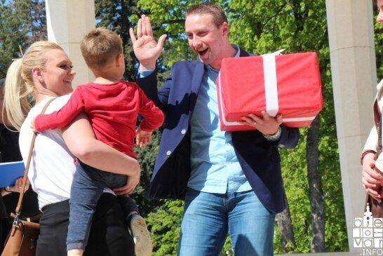 Manifestacija Potraga za pisanicama i slatki pokloni oduševili bjelovarske mališane