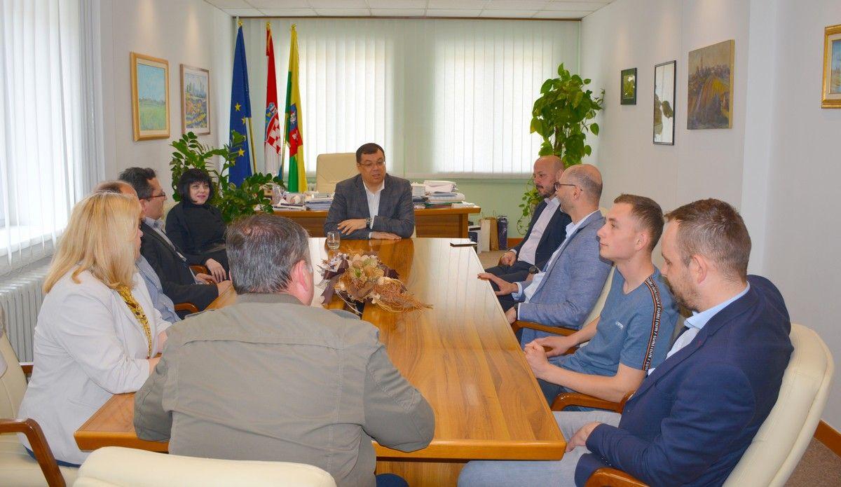 Župan Bajs sa SDP-ovim kandidatima za EU izbore