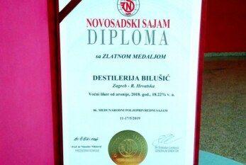 ZLATO za hrvatski voćni liker od aronije destilerije Bilušić na poljoprivrednom sajmu u Novom Sadu