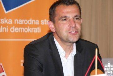 Matija Posavec u Bjelovaru predstavio izborni program i pozvao građane da izađu na izbore