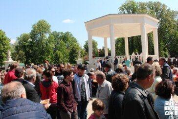 Praznik rada u Bjelovaru: uz besplatni grah i slatke delicije okupilo se mnoštvo građana