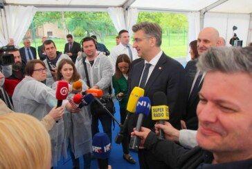 Premijer Andrej Plenković u Bjelovaru o stečaju Uljanika i dolasku kancelarke Angele Merkel