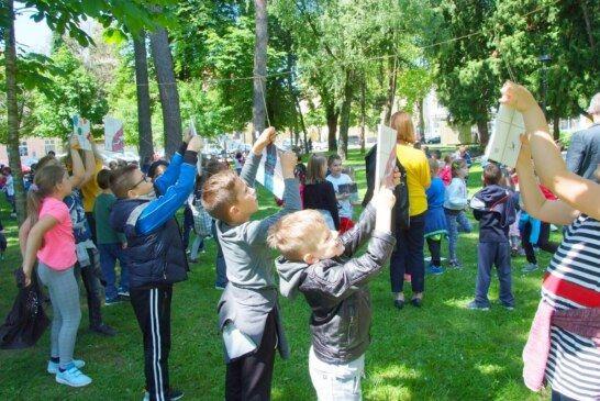 Manifestacija UBERI PRIČU okupila bjelovarske mališane