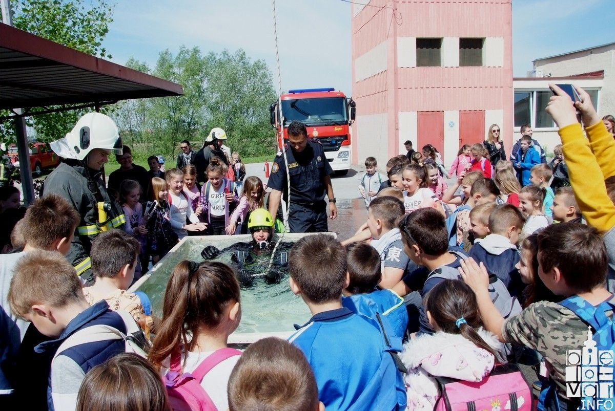 Vatrogasci otvorili svoja vrata djeci i građanima
