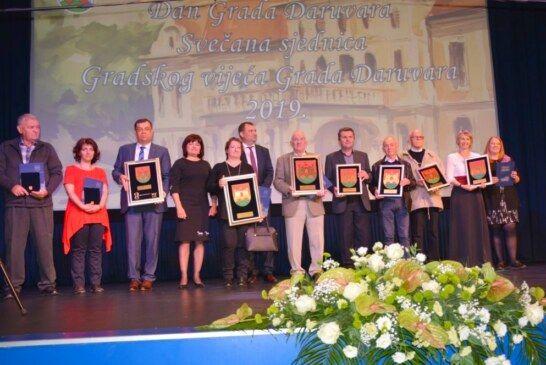 Obilježen Dan grada Daruvara: priznanje počasnog građanina grada primio župan Damir Bajs