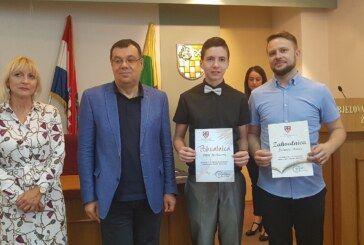 Priznanja i novčane nagrade najboljim učenicima Bjelovarsko-bilogorske županije
